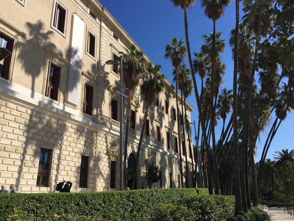 Het museum voor schone kunsten en Archeologisch museum Aduana in Malaga
